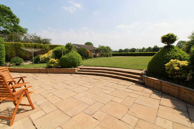 5 Bedrooms Detached House for sale in MOSS LANE, Bramhall