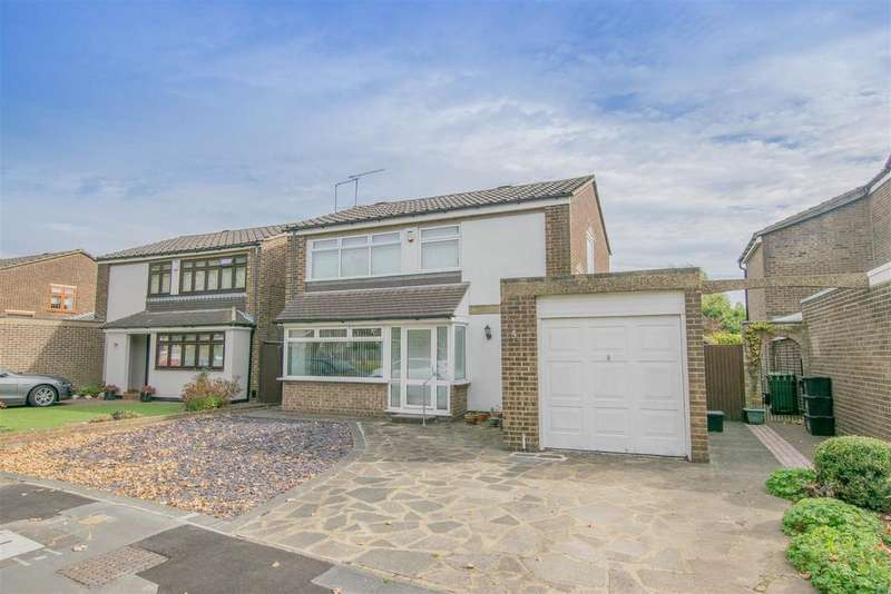 4 Bedrooms Detached House for sale in Beyers Prospect, Hoddesdon