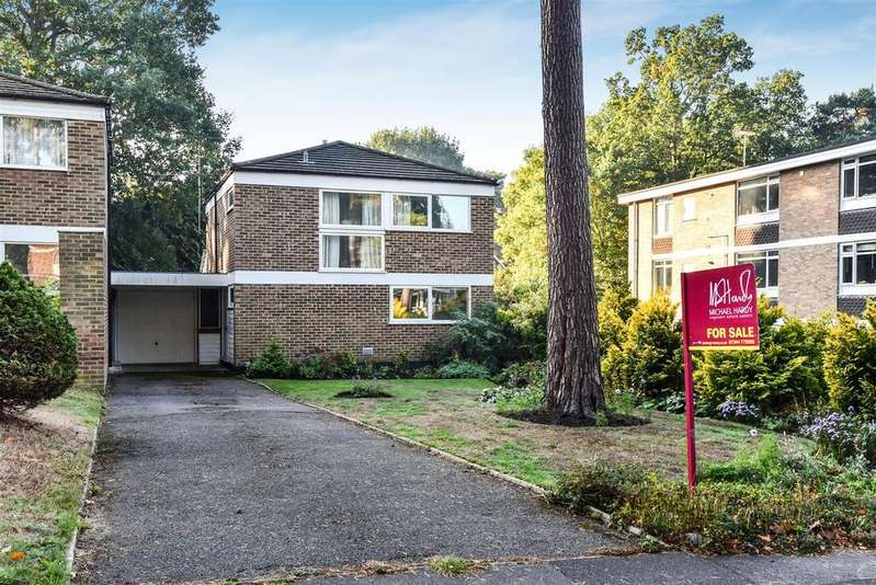 3 Bedrooms Detached House for sale in Heathermount Drive, Crowthorne, Berkshire RG45 6HL