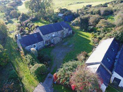 4 Bedrooms Equestrian Facility Character Property for sale in Bryn Castell, Wern Y Wylan, Llanddona, Anglesey, LL58