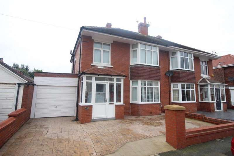3 Bedrooms Semi Detached House for sale in Warbreck Drive, Blackpool