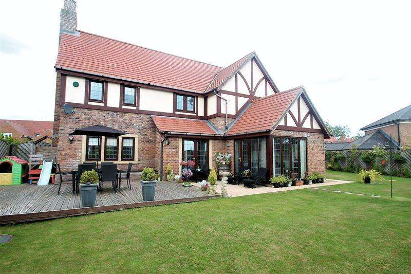 4 Bedrooms Detached House for sale in Black Wood, Billingham