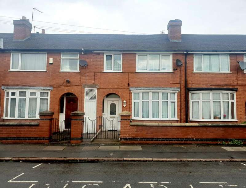 4 Bedrooms Town House for sale in Herbert Avenue, Off Melton Road, Leicester
