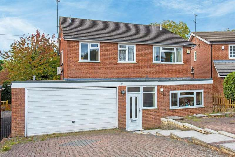 4 Bedrooms Detached House for sale in Southfield Drive, Hazlemere