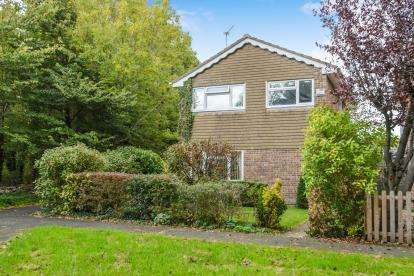 3 Bedrooms Detached House for sale in Eagle Drive, Patchway, Bristol, South Gloucestreshire