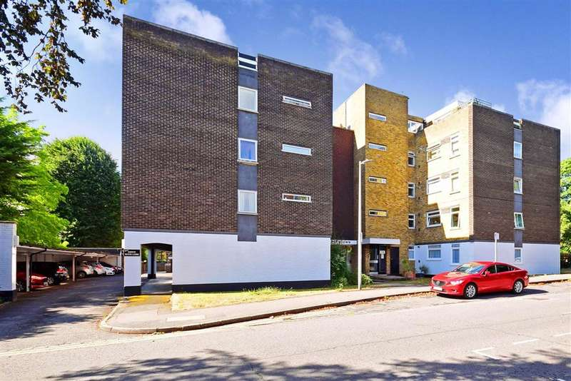 1 Bedroom Apartment Flat for sale in Woodford Road, , South Woodford