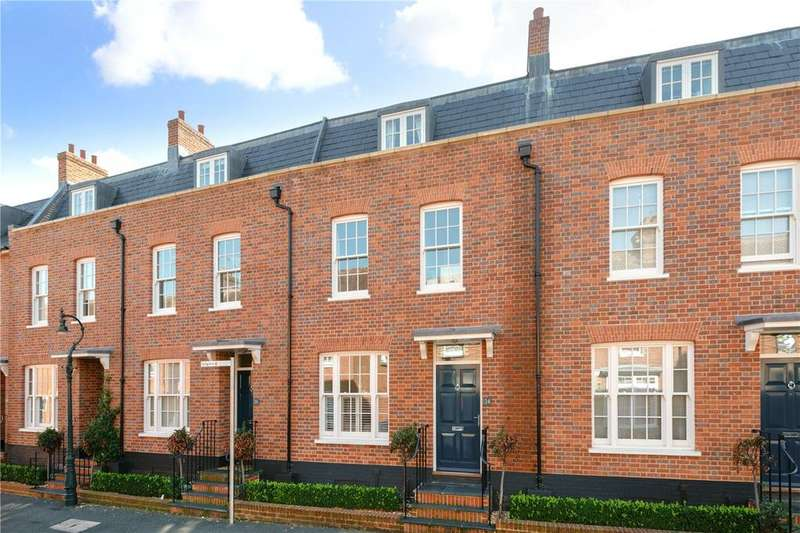 4 Bedrooms Terraced House for sale in The Terrace, St Peters Lane, Canterbury, CT1