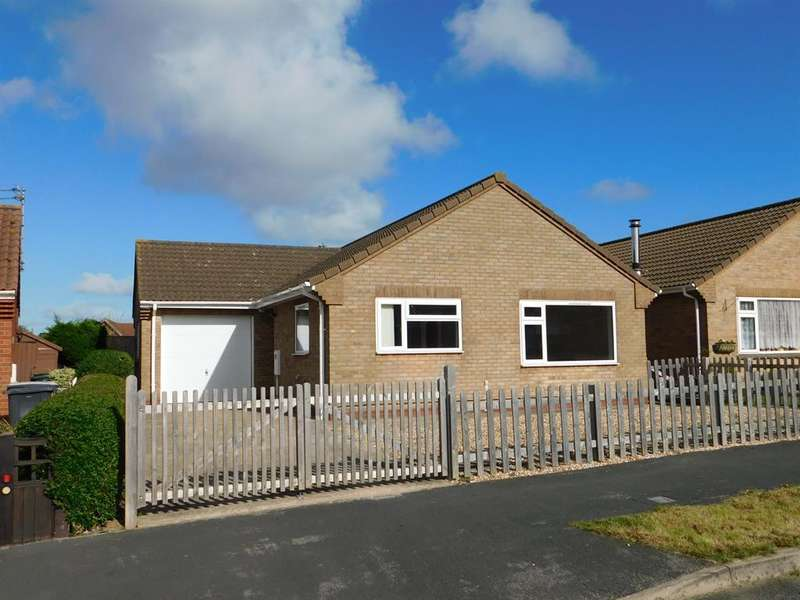 2 Bedrooms Detached Bungalow for sale in Andrew Avenue, Chapel St. Leonards, Skegness, PE24 5YY