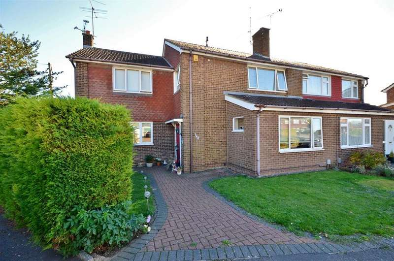 4 Bedrooms Semi Detached House for sale in Kinross Crescent, Sundon Park