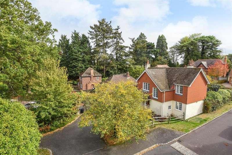 3 Bedrooms Detached House for sale in Barkham Road, Wokingham, Berkshire, RG41 2RP
