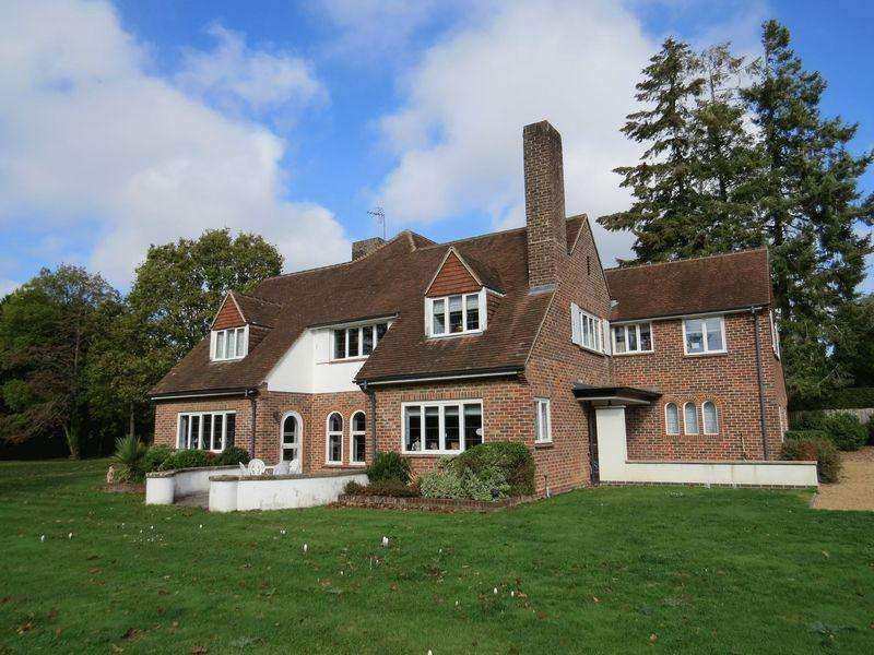 5 Bedrooms Detached House for sale in Links Lane, Rowlands Castle, Hampshire