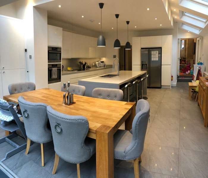 5 Bedrooms Terraced House for sale in Broxash Road, Clapham, London, SW11