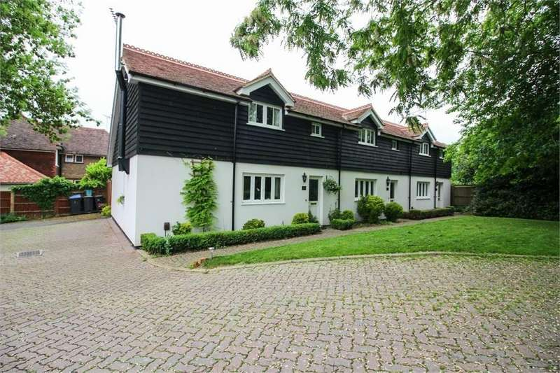 2 Bedrooms Cottage House for sale in Mulberry Green, Old Harlow, CM17