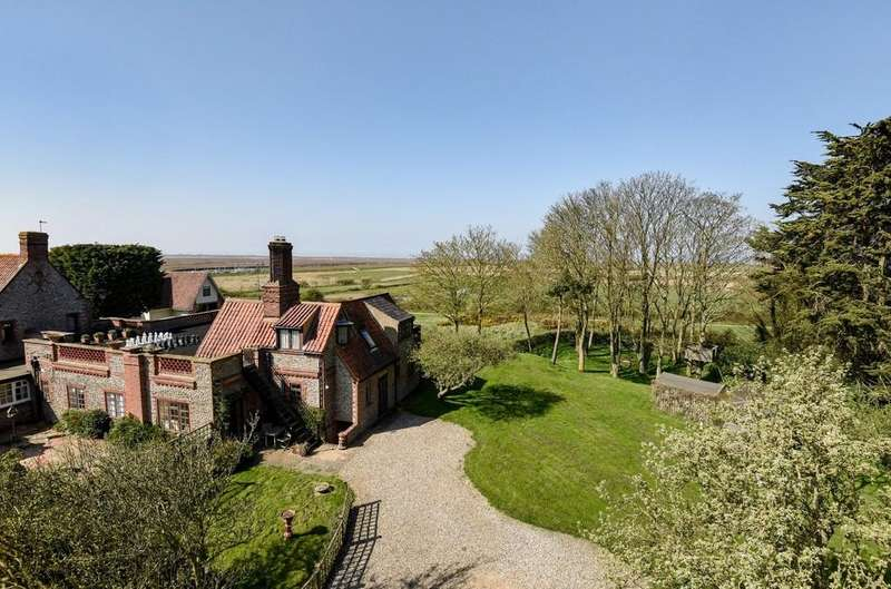 4 Bedrooms Link Detached House for sale in Blakeney