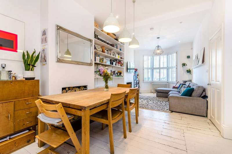 4 Bedrooms House for sale in Sternhall Lane, Peckham Rye, SE15