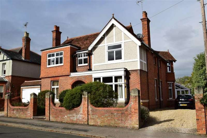 5 Bedrooms Detached House for sale in Highmoor Road, Caversham Heights, Reading