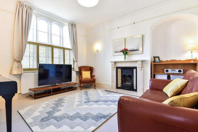 3 Bedrooms End Of Terrace House for sale in King William Iv Gardens London SE20