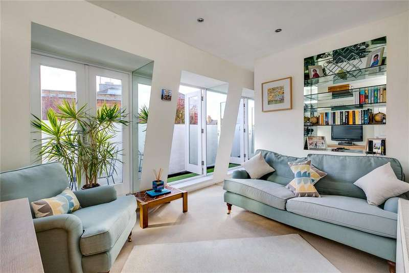 2 Bedrooms Flat for sale in Battersea Square, London