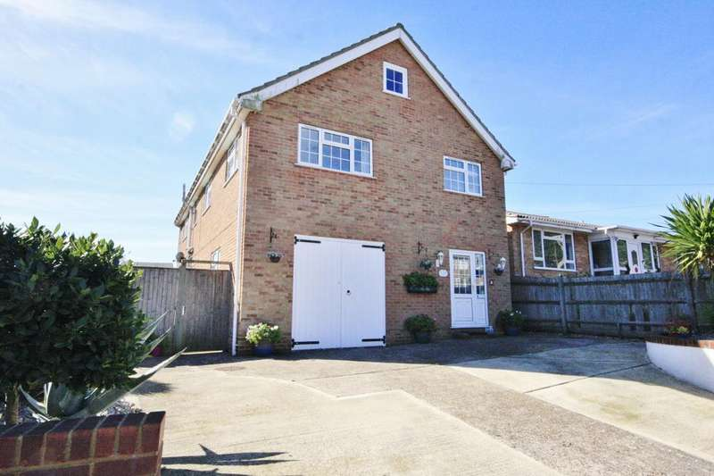 6 Bedrooms Detached House for sale in Downs Walk, Peacehaven, BN10