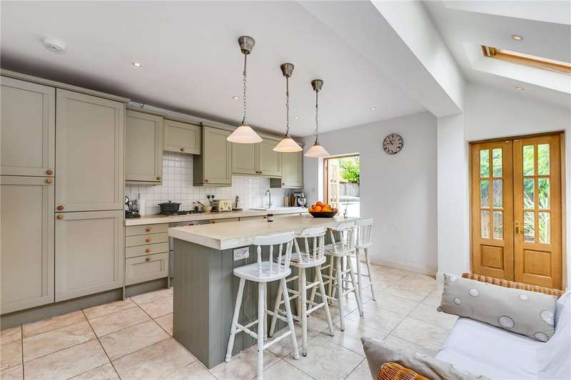 4 Bedrooms Terraced House for sale in Mablethorpe Road, London, SW6