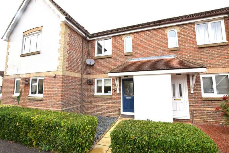 2 Bedrooms Terraced House for sale in Pochard Way, Great Notley