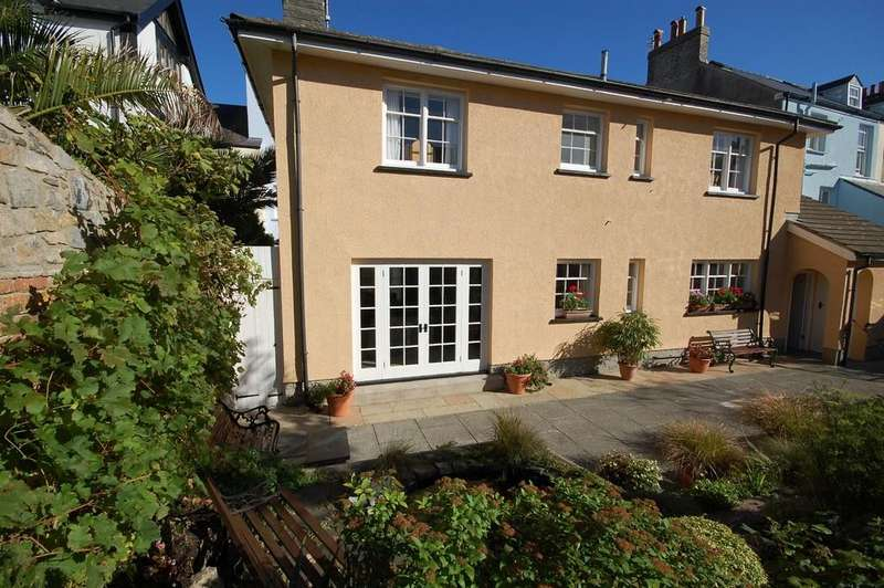 4 Bedrooms Detached House for sale in St Mary's Street, Tenby