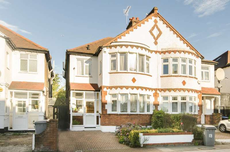 4 Bedrooms House for sale in Donnington Road, Willesden Green, NW10