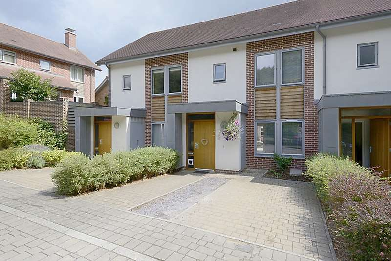 4 Bedrooms Property for sale in Parcel Drive, Basingstoke, Hampshire, RG24