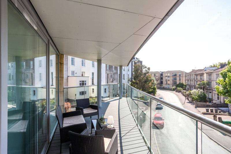 3 Bedrooms Flat for sale in North Contemporis, 20 Merchants Road, Clifton, Bristol, BS8