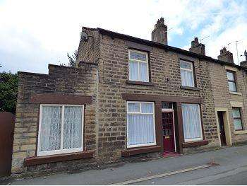 3 Bedrooms Terraced House for sale in High Street West, Glossop, SK13 8ER