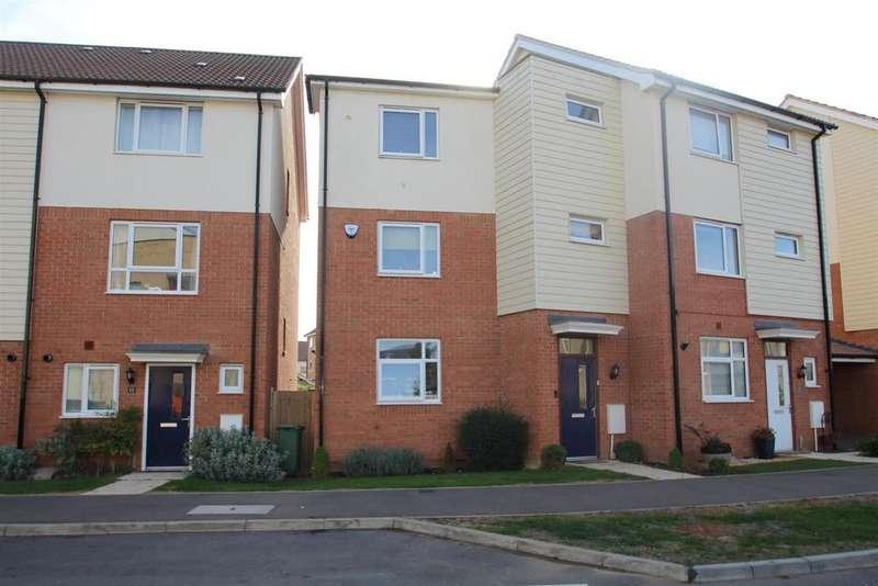 4 Bedrooms Semi Detached House for sale in Broughton Grounds Lane, Brooklands, Milton Keynes