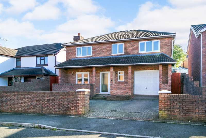 4 Bedrooms Detached House for sale in Swn Yr Afon, Kenfig Hill, Bridgend