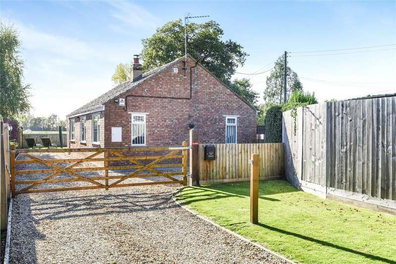 3 Bedrooms Detached Bungalow for sale in Washway Road, Saracens Head, PE12
