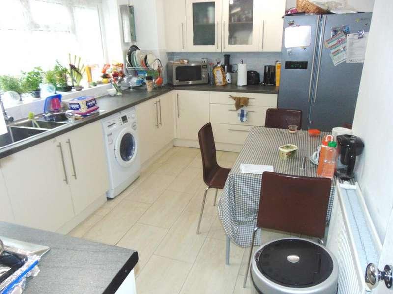 3 Bedrooms Maisonette Flat for sale in Anne Street, London, E13, E13