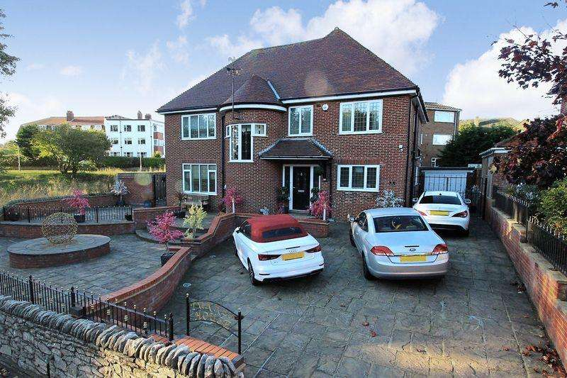 4 Bedrooms Detached House for sale in Burniston Road, Scarborough