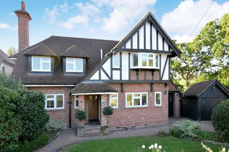 4 Bedrooms Detached House for sale in Highlands Road, Barton On Sea, New Milton