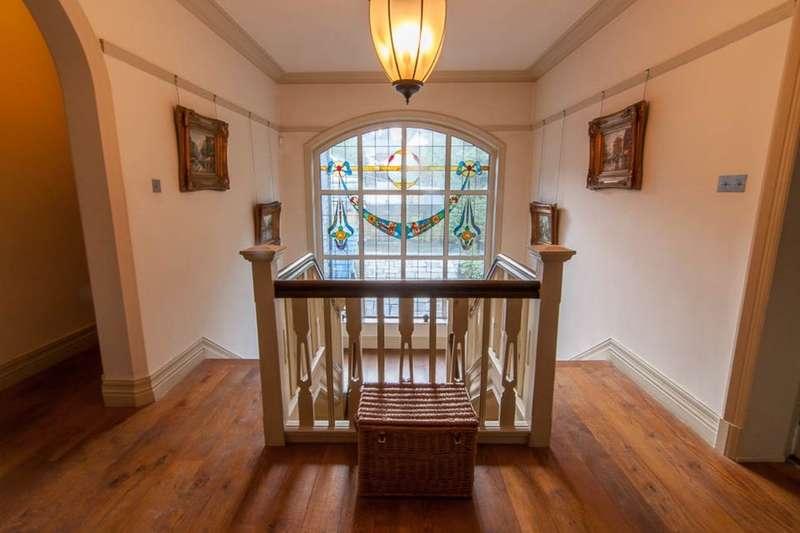 5 Bedrooms Detached House for sale in Haslingden Road, Rossendale, BB4