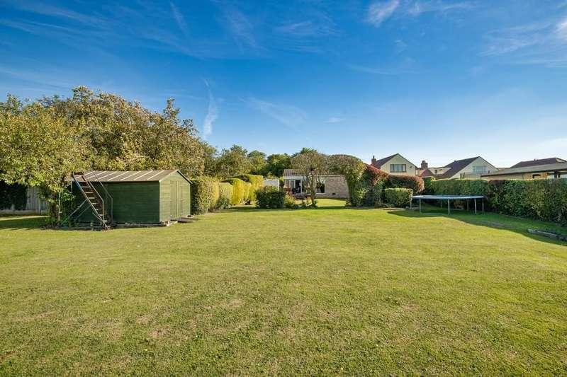 4 Bedrooms Detached Bungalow for sale in Hillside, Orwell