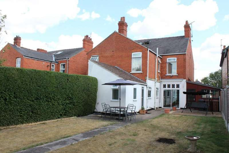 4 Bedrooms Semi Detached House for sale in Rookery Lane, Lincoln, LN6 7PP