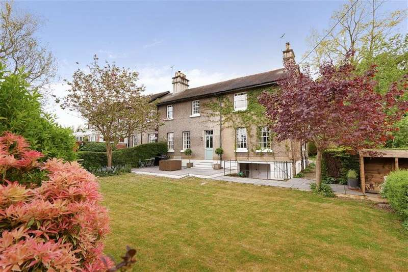 3 Bedrooms Semi Detached House for sale in Queensbridge, Overton-on-Dee, LL13