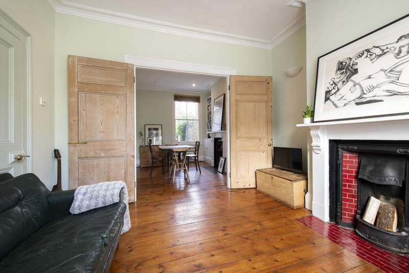 2 Bedrooms Terraced House for sale in Quilter Street, London, E2