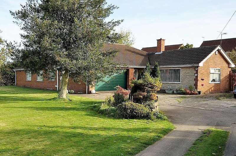 3 Bedrooms Detached Bungalow for sale in Briars Lane, Stainforth, Doncaster