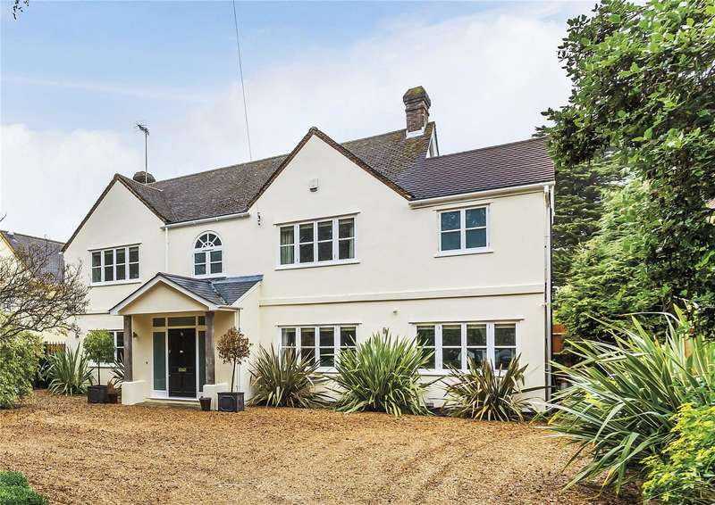 5 Bedrooms Detached House for sale in Highlands Road, Reigate, Surrey, RH2