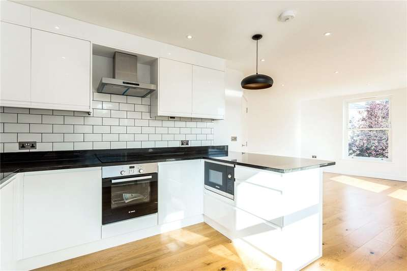 2 Bedrooms Apartment Flat for sale in St Johns Road, Watford, Hertfordshire, WD17