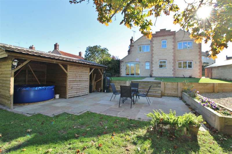 5 Bedrooms Cottage House for sale in Main Street, Wilsford, Grantham