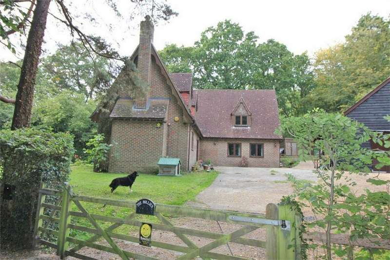4 Bedrooms Detached House for sale in London Road, BATTLE, East Sussex