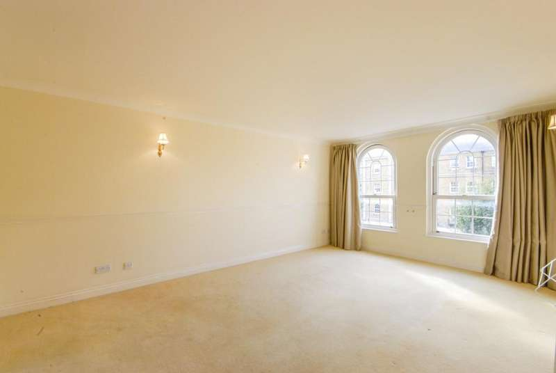 2 Bedrooms Flat for sale in Edward Square, Rotherhithe, SE16