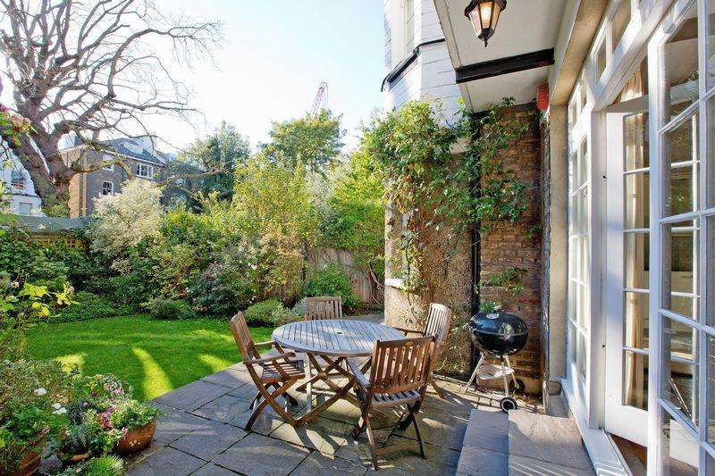 3 Bedrooms Apartment Flat for sale in Belsize Square, Belsize Park, NW3