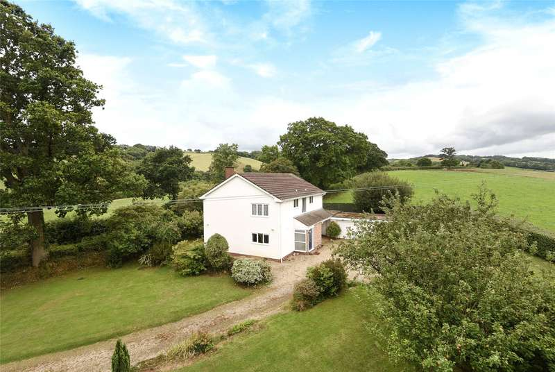 5 Bedrooms Detached House for sale in Whitestone, Exeter