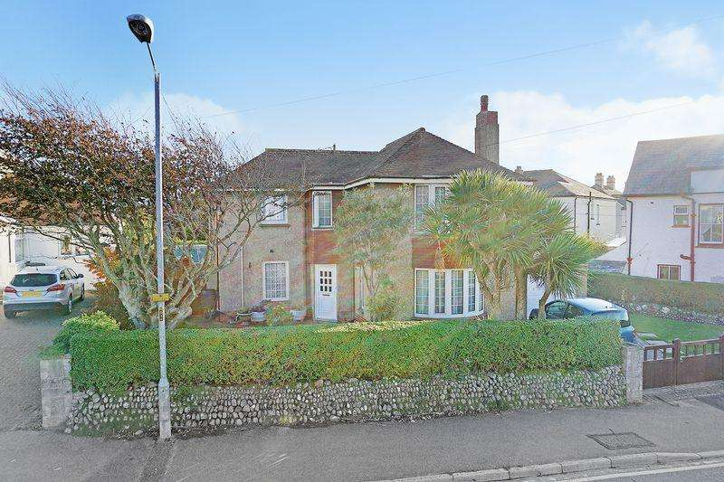 4 Bedrooms Detached House for sale in Broadclose Hill, Bude